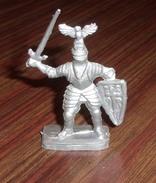 Figurine Plastique Vintage Soldat Moyen Age - Lessive Mir - Figurines