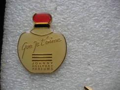 "Pin's Flacon De Parfum ""Que Je T'aime""  Johnny HALLIDAY Parfums - Perfume"