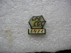 Pin's Syndicats CFE - CGC Du SNILL (Syndicat National Des Infirmières Et Infirmiers Libéraux) - Administrations