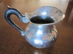 Petit Pot En Métal Argenté Et Poignée En Bois. Hauteur ±11cm - Argenterie