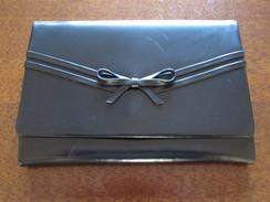 Pochette De Soirée En Cuir Noir Années 50/60 (±20x14cm) - Purses & Bags