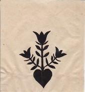 Scherenschnitt Einer Blume  - 5*6cm - Aufgeklebt Auf Pergaminpapier - Ca. 1950 (32406) - Loisirs Créatifs