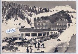 LECH AM ARLBEG-HOTEL KRONE- LES VOITURES SOUS LA NEIGE - Lech