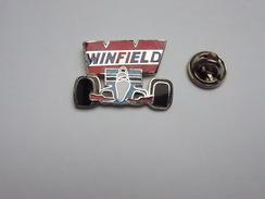 Superbe Pin's En EGF , Auto Formule 1 , Winfield , Signé Winner - F1