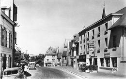 CPSM Dentelée - THURY-HARCOURT (14) - Aspect De La Rue De Condé Et Du Normandy-Hôtel - Années 50 - Citroën - Thury Harcourt