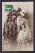 CPA Enfant Fillette Jeune Femme Habillée Avec élégance Dans Manteau De Fourrure - Pretty Girl - Photo - Portraits