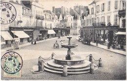 89. AUXERRE. La Place Des Fontaines Et La Rue Temple - Auxerre