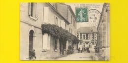 LA ROCHE CHALAIS Institution Jeanne D'Arc Mairie (Martineau) Dordogne (24) - France