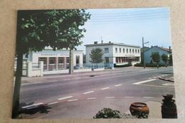JARNY - La Poste - La Gendarmerie (54 Meurthe Et Moselle) - Jarny