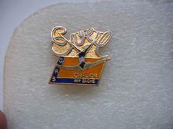 """Pin's Du Club De GYM """"Eveil"""" De Chalons Sur Saone. GRS - Gymnastics"""