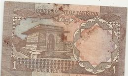 GOVERNEMENT OF PAKISTAN . 1 RUPEE . N° GA/17 6205822 . TRACES DE ROUILLE . 2 SCANES - Pakistan