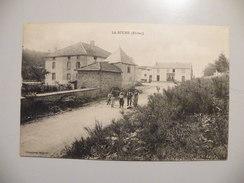A451. CPA. 69. LA BUCHE. (Rhone).  Beau Plan Animé.non Ecrite - France
