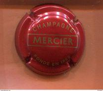 Capsule  Champagne Mercier Fondé En 1858 Rouge-orangé Et Or N°38 - Mercier