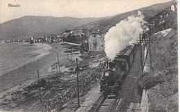 ITALIA -  ALASSIO, Treno Sulla Spiaggia - Savona