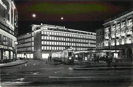 ZURICH - Parade Platz,avec La Station De Tramway. - ZH Zurich