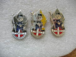 3 Pin's Identiques, Mais De Couleur Differente De La Gendarmerie En 1992 - Police