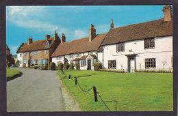 Royaume Uni  / Warwickshire  KENILWORTH  The Castle Green   9x14 - Angleterre