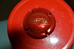 CAPSULE CHAMPAGNE MERCIER. Rouge Et Argent - Mercier