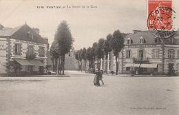 Pontivy - La Sortie De La Gare - Pontivy
