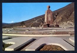 Ecuador. Quito. *El Monumento Ecuatorial Y Al Fondo El Volcán Cotopaxi* Circulada 1978, Ver Dorso. - Ecuador