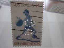 Timbre De Australie Australia   Perforés Perforé Perforés Perfin Perfins Stamp Perforated Perforation VG - Perfins
