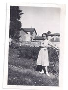 THOISSEY ?   JEUNE FILLE A BICYCLETTE  1940 - Luoghi