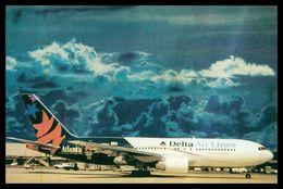 AIRPLANES - MODERN ERA -« DELTA AIRLINES » BOEING 767-200. Carte Postale - 1946-....: Moderne