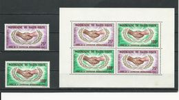 HAUTE-VOLTA  Scott C23-C24, C24a Yvert PA23-PA24, BF3** (2+bloc) * Et ** Cote 7$ 1965 - Haute-Volta (1958-1984)