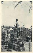 Réf : A-18 Pie Tre-1108 : CAMEROUN. YOKO.  MACON. CONSTRUCTION D UNE ECOLE. - Cameroun