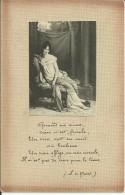 Photo De Femme Collée Sur Carte Postale - Photographs