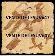 """"""" Carreau De Pavement Bicolore Au Décor Estampé """", Du XIIIe Siècle (Inédit). - Archéologie"""