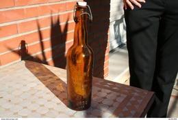 Ancienne Bouteille De Bière - Beer