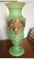 Bellissimo  Grande  VASO  In OPALINE Fine '800 , Decorato In Oro A Rilevo , H.cm.33 - Glas & Kristall