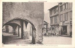 CPA Tarascon Vieilles Maisons Près De L'Eglise Saint-Michel - Frankrijk