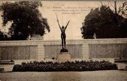 CPA Nantes Le Monument élevé à La Mémoire Des  8.500 Nantais Morts Pour La France (guerre 1914-1918) - Monuments Aux Morts