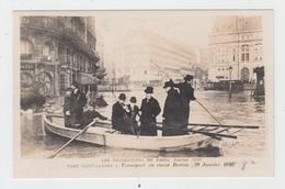 75 - LES INONDATIONS DE PARIS - 1910 / GARE SAINT LAZARE - TRANSPORT EN CANOT BERTON - Paris Flood, 1910