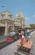 USA        174        Disneyland.Train Station.Mickey And Donald Duck..... - Orlando