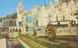 USA        182        Disneyland.It's A Small World - Orlando