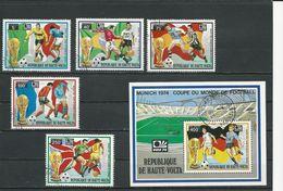 HAUTE-VOLTA  Scott 323-324, C179-C180, C182 Yvert 320-321, PA169-PA170, BF5Q (5+bloc) O Cote 4,90$ 1974 - Haute-Volta (1958-1984)