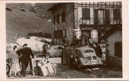 Carte-photo Contrôle Douanier à La Frontière Franco-Espagnole Col D'Ibardin ,Pyrénées Atlantiques,voitures 4 CV - Places