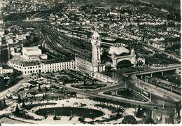 Limoges  La Gare Des Bénédictins Et Les Jardins  .  Cpsm Format 10-15 - Limoges