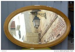 ART DECO - Grand Miroir Ovale Biseauté - Bois Stuqué Doré - Meubles