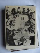Nice Woman With Lot Of Photographers - Postkaarten
