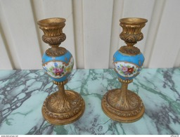 Paire De Bougeoir Porcelaine De Paris - Lamps