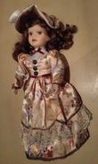 Bambola In Porcellana - Collezione Manolo - Dolls