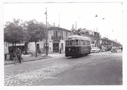 33 Bordeaux PHOTO Originale Tram Tramway Bd Wilson Le 12/05/1956 VOIR ZOOM Resto Jouan Dyna Panhard Ariane Simca VOIRDOS - Fotos
