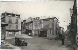 Herault : Servian, La Place DuMarché - France