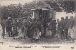 Tirailleurs Algériens Blessés Dans Les Autobus D'ambulance - TBE - Transport Urbain En Surface