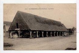 - CPA LA FERRIERE-SUR-RISLE (27) - Les Halles 1930 - Edition Appert 1618 - - Other Municipalities