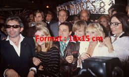 Reproduction D'une Photographie Avec Gainsbourg, Cordy, Sheila, Dave, Tino Rossi, Coluche, Mouskouri, Dalida... - Reproductions